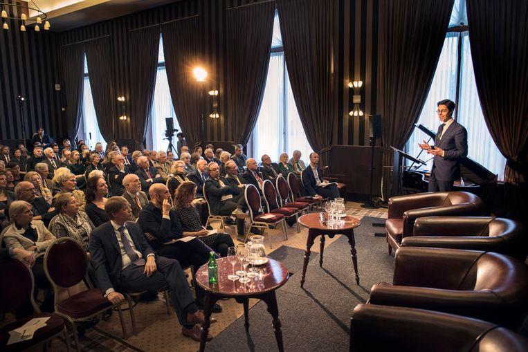 In de sjieke Sociëteit de Witte in Den Haag Nederland kondigde Jetten aan dat hij  'de sloophamer wil pakken en de muren kapotmaken die ons in Nederland verdelen'. Beeld Werry Crone