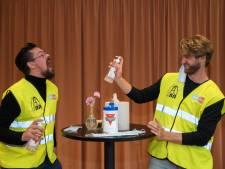Cabaretduo Sjors&Ruud maken coronavoorstelling 'Het Nieuwe Normaal': 'het oude normaal komt nooit terug'