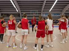 Basketbalsters Batouwe krijgen bij herstart Women's League pak op de broek in Den Helder