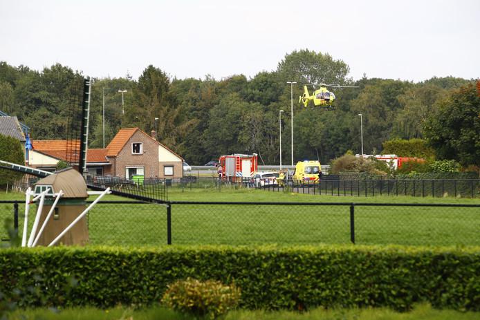 Hulpdiensten aan de Sprengenweg in Heerde.