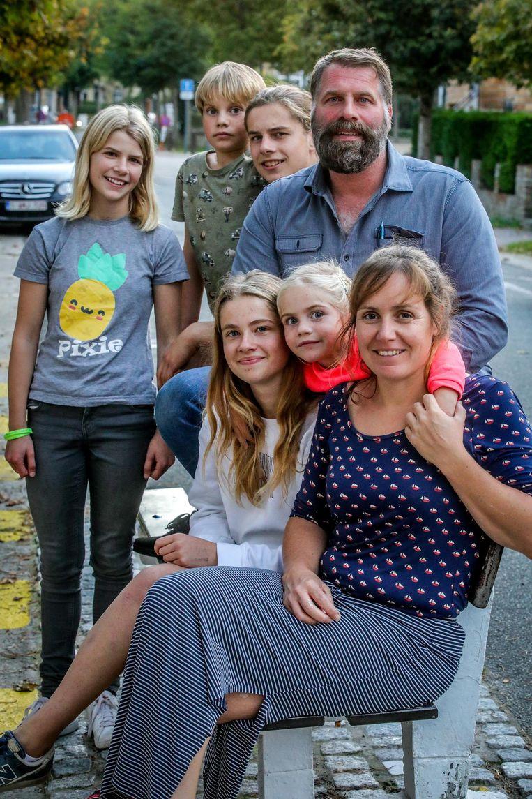De nieuwe burgemeester met zijn gezin.