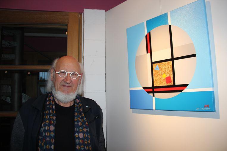 Kunstenaar Adi Steurbaut nodigt bezoekers uit op de opendeurdagen in zijn atelier.
