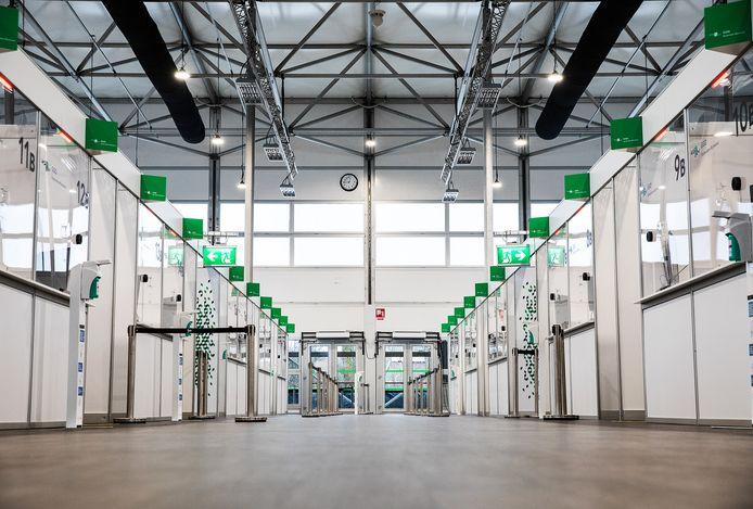 In het tweede paviljoen in Rotterdam Airport wordt er niet meer getest maar gevaccineerd vanaf vrijdag.
