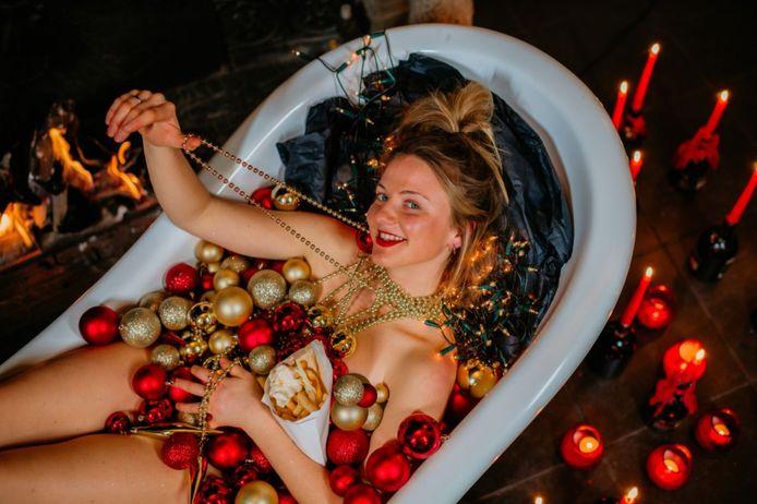 Lizzie wil met 'Single Bells' warmte in de huiskamer brengen deze eindejaarsperiode.