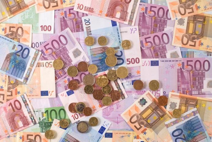 """Transparency  International: ,,Regeringen moeten dringend de rol van het grote geld in de politiek aanpakken."""""""