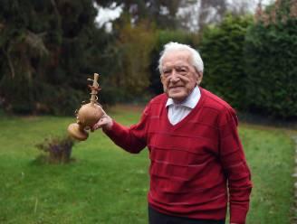 """Alfons Leempoels (103), 's lands oudste huisarts, blikt terug op zijn marathon tegen corona: """"Plots stonden de Chinese media voor mijn deur, zonder even te verwittigen"""""""