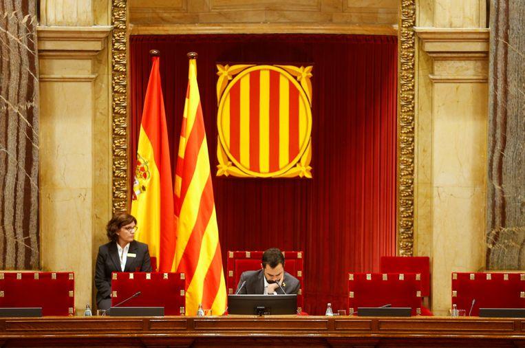 De officiële Catalaanse vlag in het parlement in Barcelona.