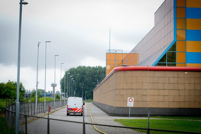 Exterieur van gevangenis De Schie.