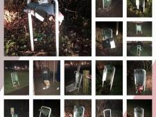 Bijna alle prullenbakken in het Kamper stadspark sneuvelen door vuurwerk, schade tussen de 8.000 en 10.000 euro