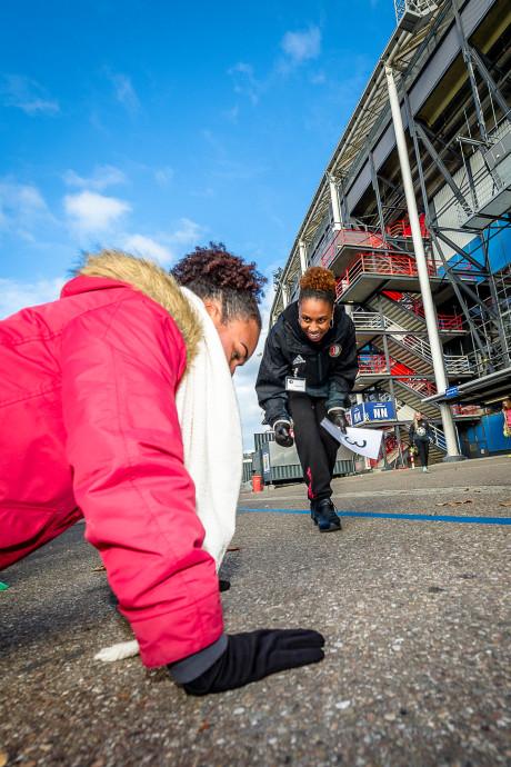 Jongeren bij Feyenoord aan de bal voor een baan