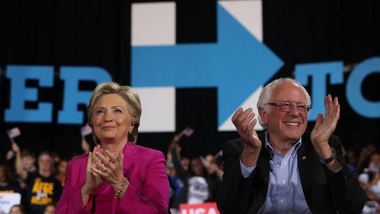 Clinton en Sanders vlak voor de presidentsverkiezing. Beeld Getty