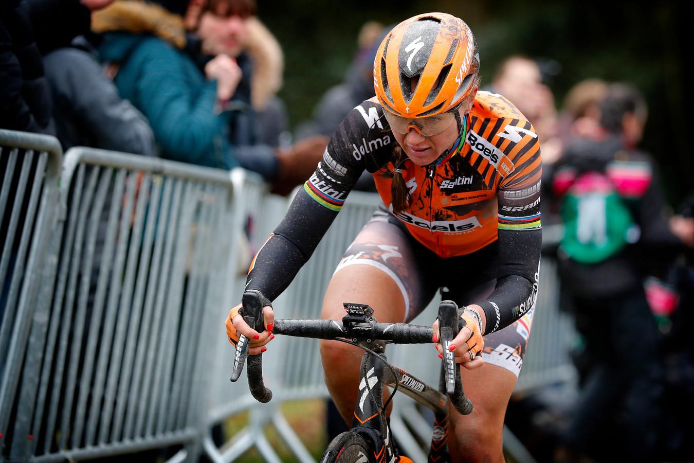 Chantal Blaak tijdens Omloop Het Nieuwsblad eerder dit jaar.