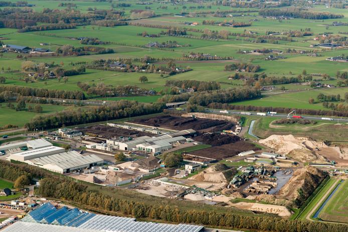 Attero is een landelijk en internationaal opererend milieubedrijf. De locatie Wilp heeft ook verschillende activiteiten op het gebied van mineralen. Zo wordt er in Wilp puin gebroken en grond gereinigd. Ook heeft Wilp een operationele stortplaats.