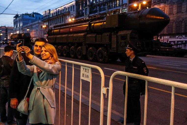 Langeafstandsraketten worden in april getoond op het Rode Plein in Moskou tijdens de militaire parade ter viering van de overwinning op nazi-Duitsland. Beeld EPA