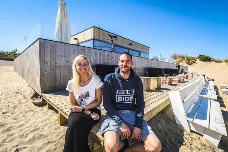 Natasja Willems en Leon Inkelberghe nemen samen de surfclub over, die 550 leden telt.