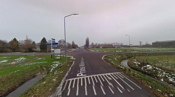 De kruising Prins Willem-Alexanderstraat/Middelkampseweg in Gameren.