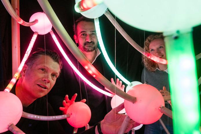 Peter Hoekstra (links) en Hans d'Hollosy (midden) zijn oprichters van Briegel, Renee Roeleveld (rechts) is consultant bij Datacadabra.