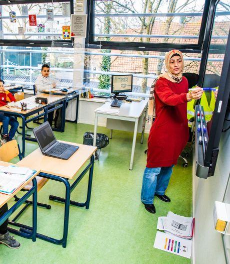 Dordtse basisschool die alle leerlingen naar school liet komen schaalt fysiek onderwijs weer af