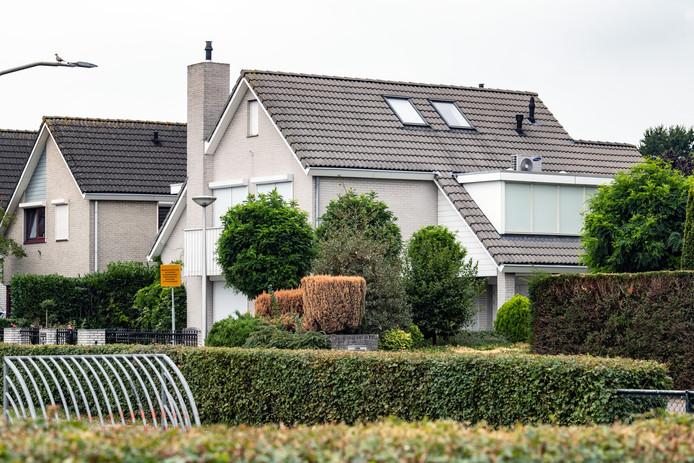 PR dgfoto Gelderlander Nijmegen: woning van Danny M. in de Hegdambroek ligt aan een hofje met parkje en speeltuintje inclusief voetbalveldje.