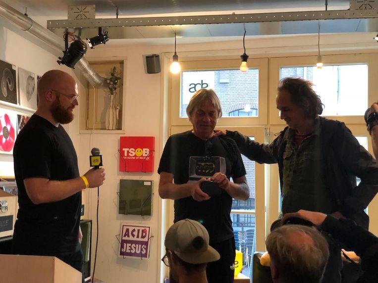 Gert van Veen ontvangt de ADE-Award. Beeld Vincent Smits