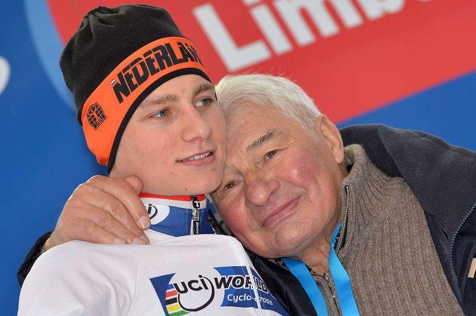 Mathieu van der Poel met zijn opa Raymond Poulidor.