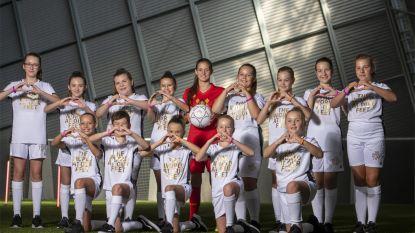 Heistse dansstudio Kick-iT danst met Red Flames om meisjes aan het voetballen te krijgen