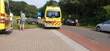 Bestuurder BMW vlucht na veroorzaken ongeluk in Berg en Dal