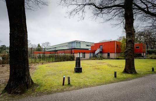 De forensisch psychiatrische kliniek FPA Utrecht waar Michael P. verbleef en waar nu de 44-jarige Peter M. is ontsnapt.