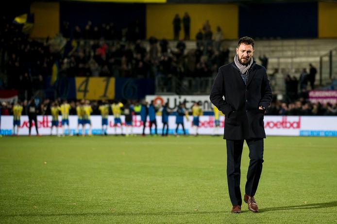 Trainer Peter van den Berg stapte na de winst op De Graafschap ziek in bed en is een twijfelgeval voor de wedstrijd tegen VVV.
