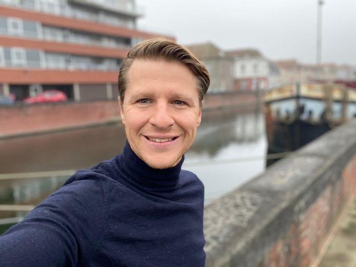 schepen en Vlaams parlementair Axel Ronse (N-VA), bij het kanaal