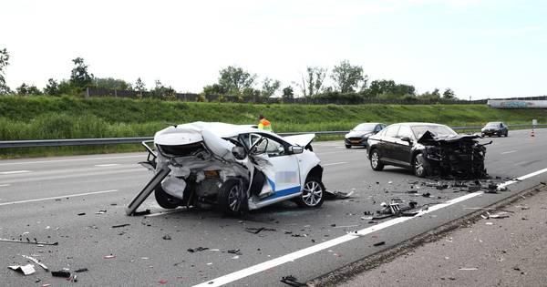 Osse kwam om door ongeluk waarbij automobilist 37 seconden aan het appen was.
