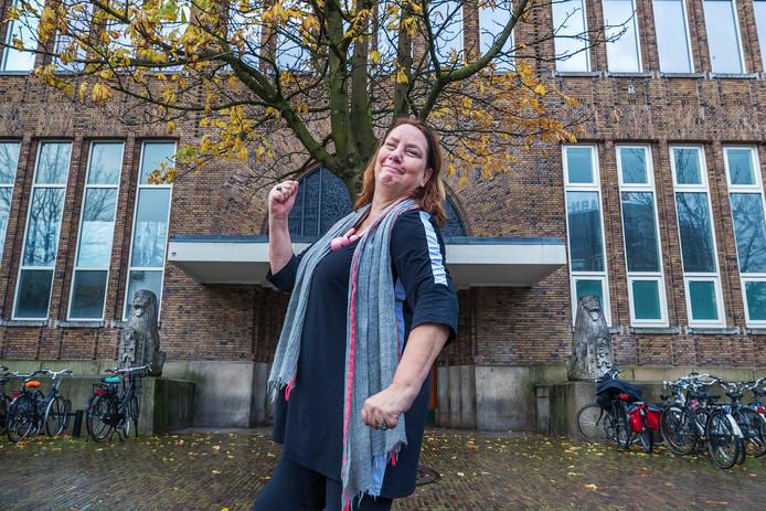 'Powerpoliticus' Agnes Jongerius, bij de toekomstige bibliotheek op de Neude in Utrecht. ,,Mijn moeder heeft me gepusht alles uit mezelf te halen wat erin zit; zij wilde dat ik ging leren. En ik moest lezen, veel lezen - wat ik gelukkig zelf heel leuk vond om te doen.''