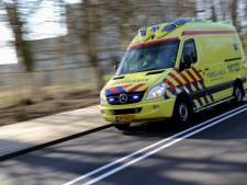 Oudere man zwaargewond na ongeval op oprit Hilversum