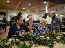 Shannen en oma Ria dompelen zich onder in de kerstsfeer