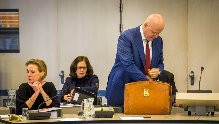 Minister Grapperhaus vanochtend (21 februari) bij het debat met de Kamercommissie justitie en veiligheid over de georganiseerde criminaliteit. Beeld null