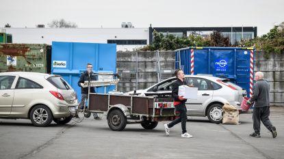 """Dubbel zo druk in containerparken: """"Mensen vrezen dat we gaan sluiten"""""""