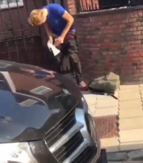 Student betrapt tijdens poepen voor huis van Jan Smit