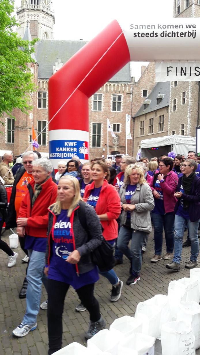 De SamenLoop voor Hoop is begonnen in Middelburg.