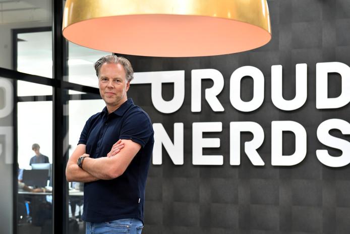 Michiel Koopman van het bedrijf Proud FX en Proud Nerds neemt Capter over. Hiermee heeft hij het bedrijf dat hij zelf heeft opgericht weer in handen.