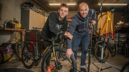 """""""Thibau fietst door zijn puberteit heen. Zálig toch?"""""""