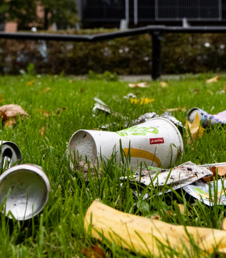 Jongeman gaat in Winterswijk man en vrouw te lijf na opmerking over afval