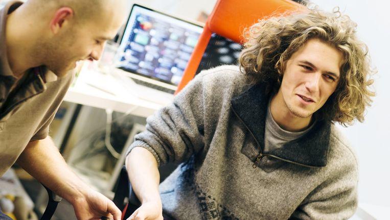 Nederlander Adriaan de Jongh (rechts) staat in de prestigieuze Amerikaanse Forbes-lijst voor jonge gameontwerpers Beeld Marlies Wessels