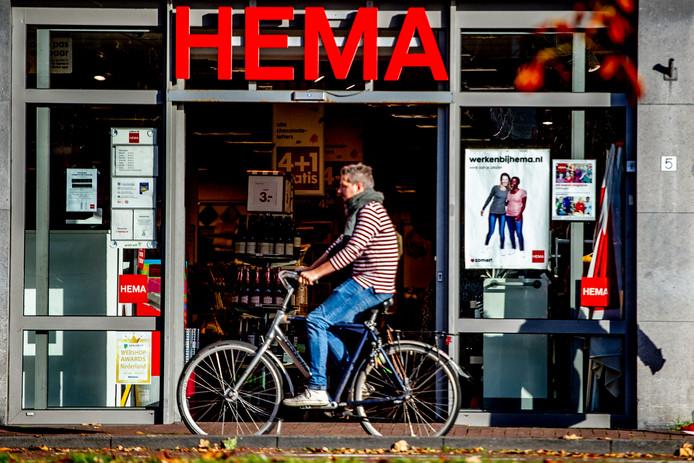 De Hema in Haarlem. Volgens ceo Tjeerd Jegen staan er geen winkels in Nederland op de nominatie om te worden gesloten.