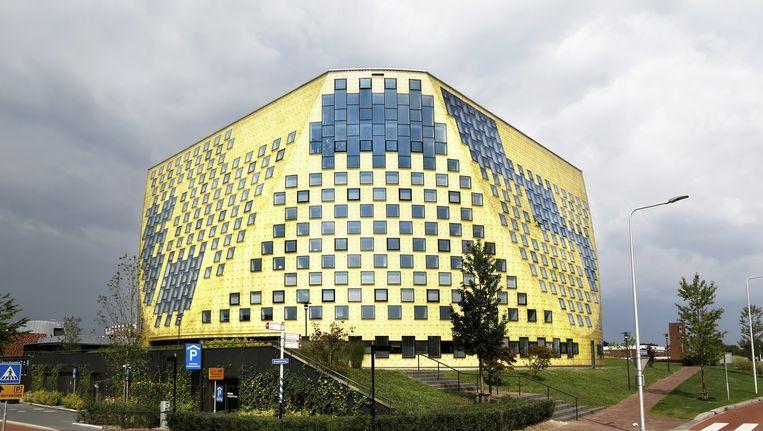 Het gemeentehuis in Harderberg. Beeld