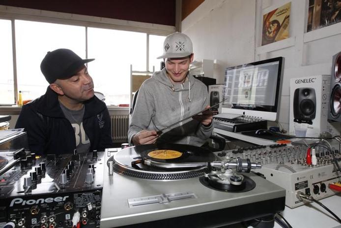 Angelo Martinus en Frank Sens zijn op zoek gegaan naar positieve hiphop. foto Ton van de Meulenhof