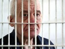 Seriemoordenaar (65) verwekt in cel kind bij 40 jaar jongere vrouw