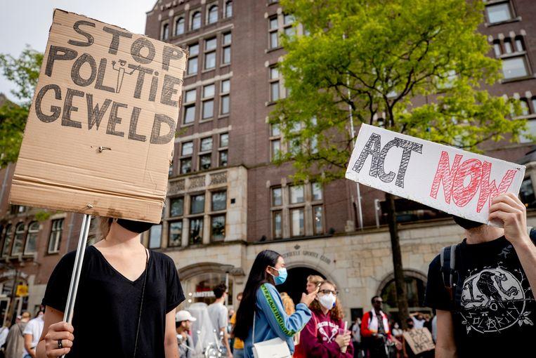 Demonstranten op de Dam in Amsterdam tijdens het BlackLivesMatter protest van afgelopen weekend.  Beeld ANP
