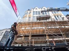 Monumentaal pand boven Adidas-winkel in de steigers