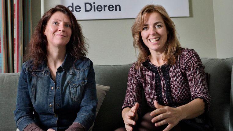 Kamerleden Esther Ouwehand en Marianne Thieme vieren iedere keer dat ze dierenwelzijn op de agenda krijgen, ook als ze worden weggehoond. Beeld Inge van Mill