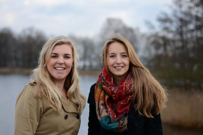 Rianne Knaap (links) en Lisa van Leuken.